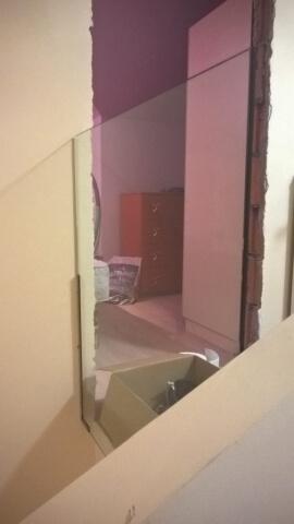Üvegkorlát, irodafal 15